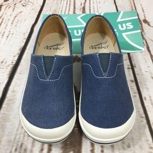 🍃🖤 New! Dansko Vesta Canvas Navy slip on shoes